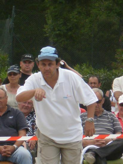Joseph Sini au tir en finale